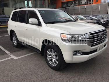 Foto venta Auto Seminuevo Toyota Land Cruiser 5.7L 4x4 (2017) color Blanco precio $1,410,000
