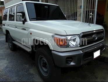 Foto venta carro Usado Toyota Macho Ch. Largo STD 4x4 (2015) color Blanco precio u$s35.000
