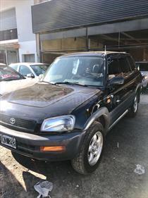 Foto venta Auto Usado Toyota RAV4 2.0L 4x4 Aut (2000) color Negro precio $140.000