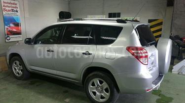 Foto venta Auto Usado Toyota Rav4 2.4 Lujo 4X2 Aut (2010) color Gris Metalico precio $6.300.000