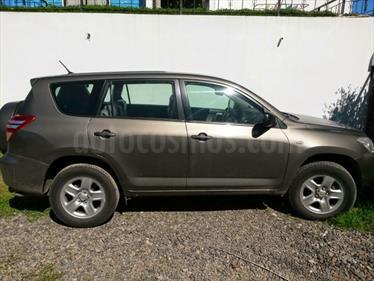 Foto venta Auto Usado Toyota Rav4 2.4 Lujo 4X2  (2011) color Dorado precio $7.000.000
