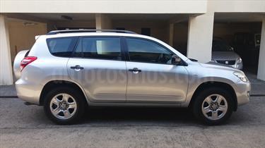 Foto venta Auto Usado Toyota Rav4 2.4 Lujo 4X4 Aut  (2011) color Plata Gris precio $7.900.000