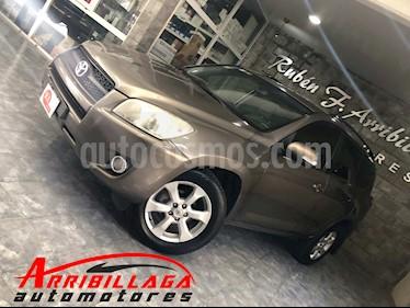 Foto venta Auto Usado Toyota RAV4 2.4L 4x2 Aut (2010) color Marron precio $350.000