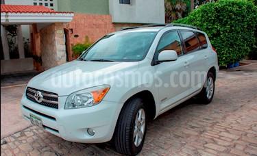 Foto venta Auto Seminuevo Toyota RAV4 2.4L Limited (2008) color Blanco precio $125,000