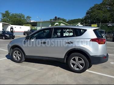 Foto venta Auto Seminuevo Toyota RAV4 LE (2015) color Plata precio $289,000