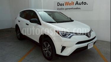 Foto venta Auto Seminuevo Toyota RAV4 LE (2016) color Blanco precio $300,000