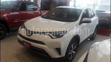 Foto venta Auto Usado Toyota RAV4 XLE Plus 4WD (2017) color Blanco precio $389,000