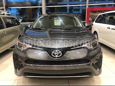 Foto venta Auto Seminuevo Toyota RAV4 XLE Plus 4WD (2018) color Gris Oscuro precio $455,000