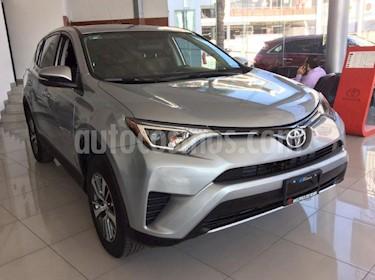 Foto venta Auto Usado Toyota RAV4 XLE  (2018) color Plata precio $417,000