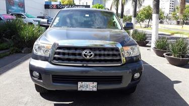 foto Toyota Sequoia SR5 Premium