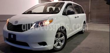 Foto venta Auto Seminuevo Toyota Sienna CE 3.5L (2017) color Blanco precio $439,900