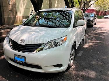 Foto venta Auto usado Toyota Sienna LE 3.5L (2011) color Blanco precio $242,000