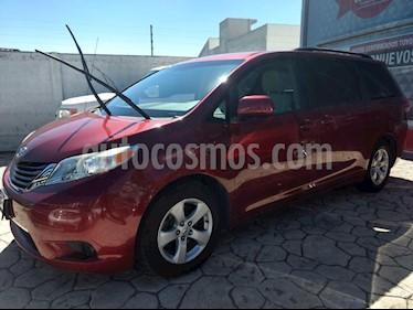 Foto venta Auto Seminuevo Toyota Sienna LE 3.5L (2011) color Rojo precio $215,000