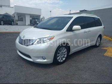 Foto venta Auto Seminuevo Toyota Sienna Limited 3.3L (2012) color Blanco precio $350,000