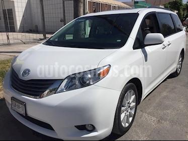 Foto venta Auto Seminuevo Toyota Sienna Limited 3.3L (2014) color Blanco Alpine precio $129,000