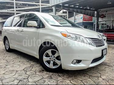 Foto venta Auto Seminuevo Toyota Sienna Limited 3.5L (2014) color Blanco precio $390,000