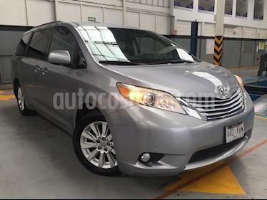 Foto venta Auto Seminuevo Toyota Sienna Limited 3.5L (2012) color Gris precio $350,000