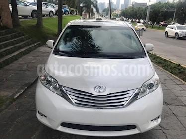 Foto venta Auto Seminuevo Toyota Sienna Limited 3.5L (2013) color Blanco