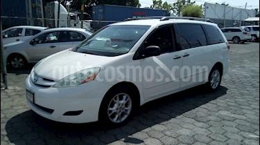 Foto venta Auto Seminuevo Toyota Sienna XLE 3.3L (2006) color Blanco precio $116,000