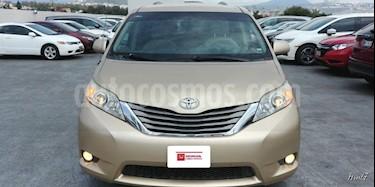 Foto venta Auto Usado Toyota Sienna XLE 3.5L (2011) color Cafe precio $220,000