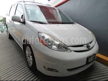 Foto venta Auto Seminuevo Toyota Sienna XLE 3.5L (2010) color Blanco precio $220,000
