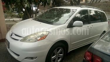 Foto venta Auto Seminuevo Toyota Sienna XLE 3.5L (2006) color Blanco precio $140,000