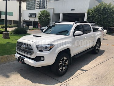 Foto venta Auto usado Toyota Tacoma TRD Sport 4x4 (2017) color Blanco precio $620,000
