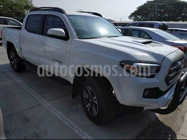 Foto venta Auto Seminuevo Toyota Tacoma TRD Sport (2017) color Blanco precio $510,000