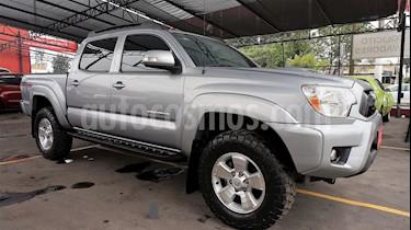 Foto venta Auto Seminuevo Toyota Tacoma TRD Sport (2015) color Gris precio $424,000