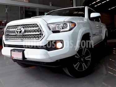 Foto venta Auto Seminuevo Toyota Tacoma TRD Sport (2017) color Blanco precio $489,000