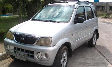 Toyota Terios Cool  usado (2004) color Plata Sleek precio u$s35.000.000
