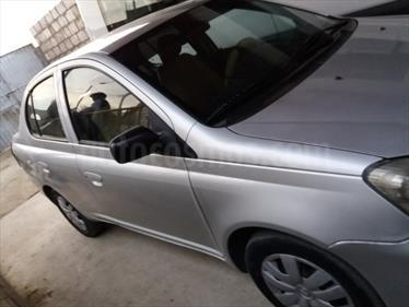 Foto Toyota Yaris Hatchback 1.3L usado (2003) color Plata Metalico precio u$s6,400