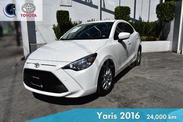 foto Toyota Yaris R LE Aut