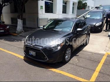 Foto venta Auto Usado Toyota Yaris R R XLE (2016) color Gris precio $217,900