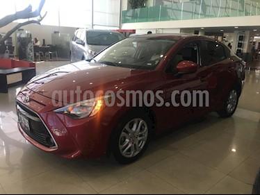 Foto venta Auto Seminuevo Toyota Yaris R XLE Aut (2017) color Rojo precio $229,000