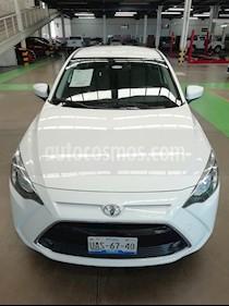 Foto venta Auto Seminuevo Toyota Yaris R XLE Aut (2017) color Blanco precio $235,000