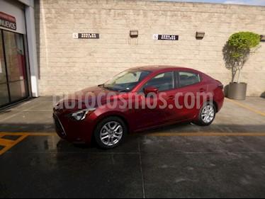 Foto venta Auto Seminuevo Toyota Yaris R XLE Aut (2016) color Rojo precio $215,000