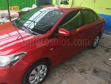 Toyota Yaris Sedan 1.3 GLi Aut usado (2014) color Rojo Mica precio u$s12,000