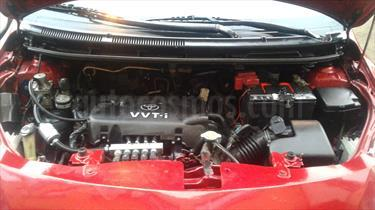 Foto venta Auto usado Toyota Yaris Sedan 1.3 LXi (2007) color Rojo Deportivo precio u$s7,400