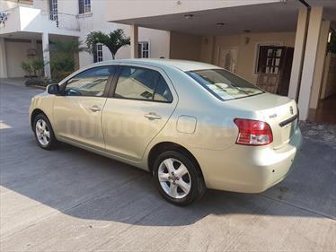foto Toyota Yaris Sedan Premium