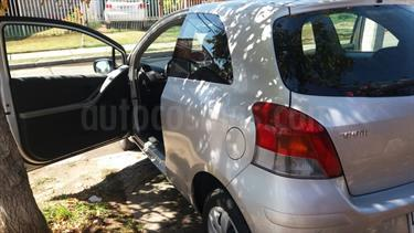 Foto venta Auto usado Toyota Yaris Sport 1.3 XLi 3P (2011) color Gris Plata  precio $5.300.000