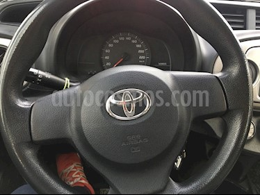 Foto venta Auto usado Toyota Yaris Sport 1.3 XLi 5P (2014) color Plata precio $5.700.000