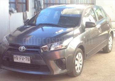 Foto venta Auto usado Toyota Yaris Sport 1.5 GLE (2016) color Gris Sombra precio $7.700.000