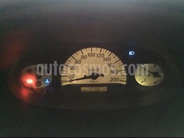 Foto venta carro Usado Toyota Yaris (Linea Sol) L4,1.3i,16v A 2 1 (2005) color Azul precio u$s3.600