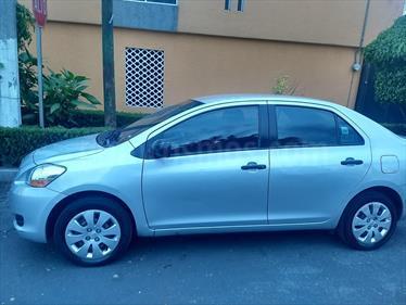 Foto venta Auto usado Toyota Yaris 5P 1.5L Core Aut (2010) color Plata precio $110,000