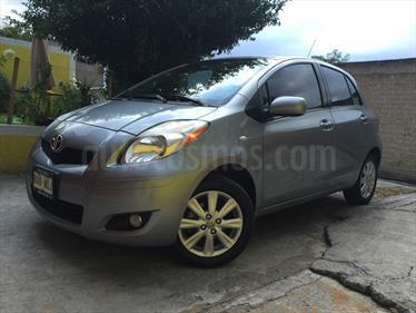 Foto venta Auto usado Toyota Yaris 5P 1.5L Premium Aut (2010) color Plata Taxco precio $105,000