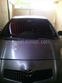 Foto Toyota Yaris Sol Auto. usado (2007) color Gris Plata  precio u$s3.000