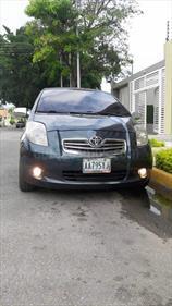 Foto venta carro usado Toyota Yaris Sol Sinc. (2007) color Gris Platino precio u$s4.900