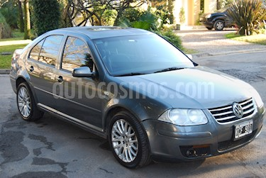 Foto venta Auto Usado Volkswagen Bora 1.8 T Highline Cuero (2011) color Gris Claro precio $200.000