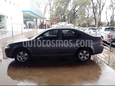 Foto venta Auto Usado Volkswagen Bora 2.0 Comfortline (2010) color Gris Cromo precio $215.000